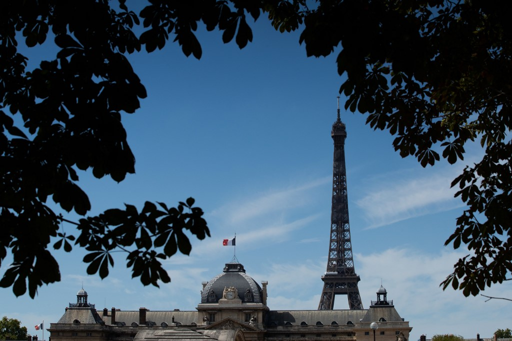 France sees record 13.8% GDP plunge in second quarter: official data