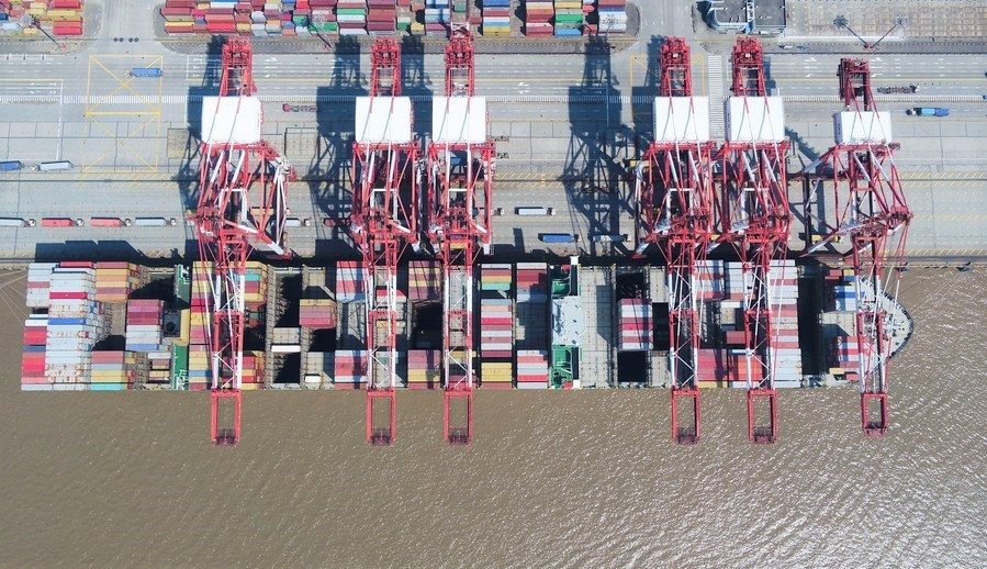 Shanghai port sees container throughput hit record high in July