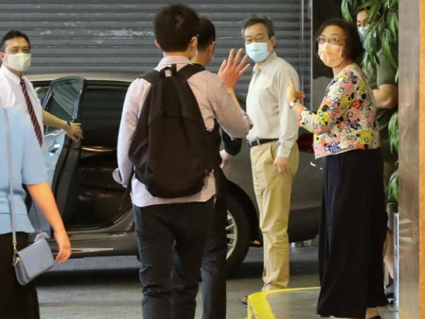 Virus testing professionals from mainland arrive in Hong Kong