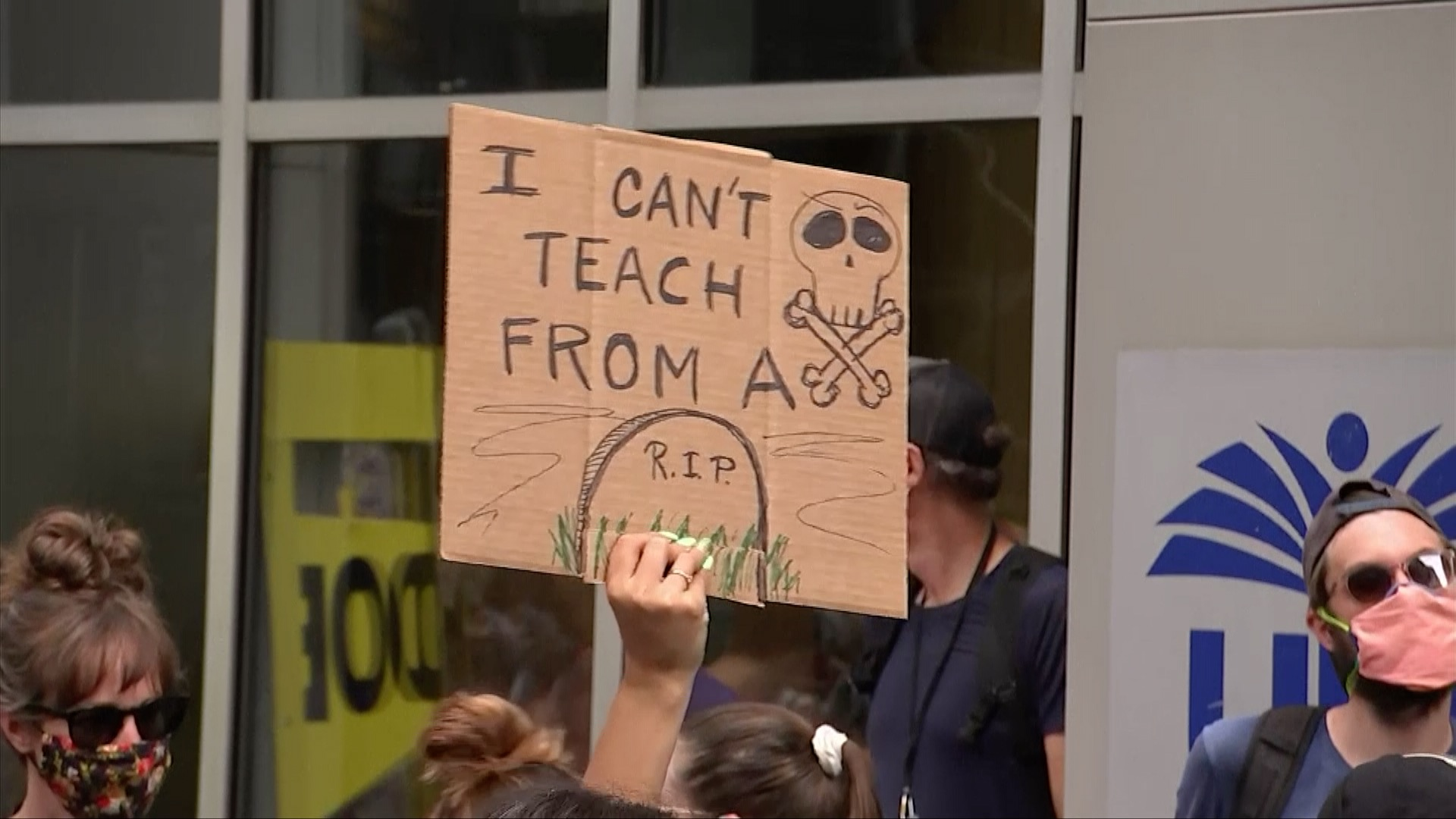 Teachers across US protest for 'safe reopening of school'