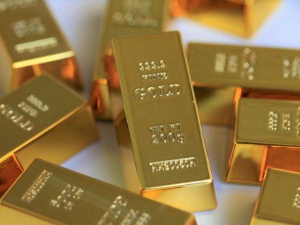 Gold up on economic fallout from COVID-19