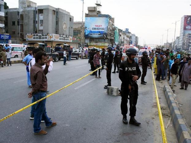 5 injured in hand grenade attack at rally in Pakistan's Karachi