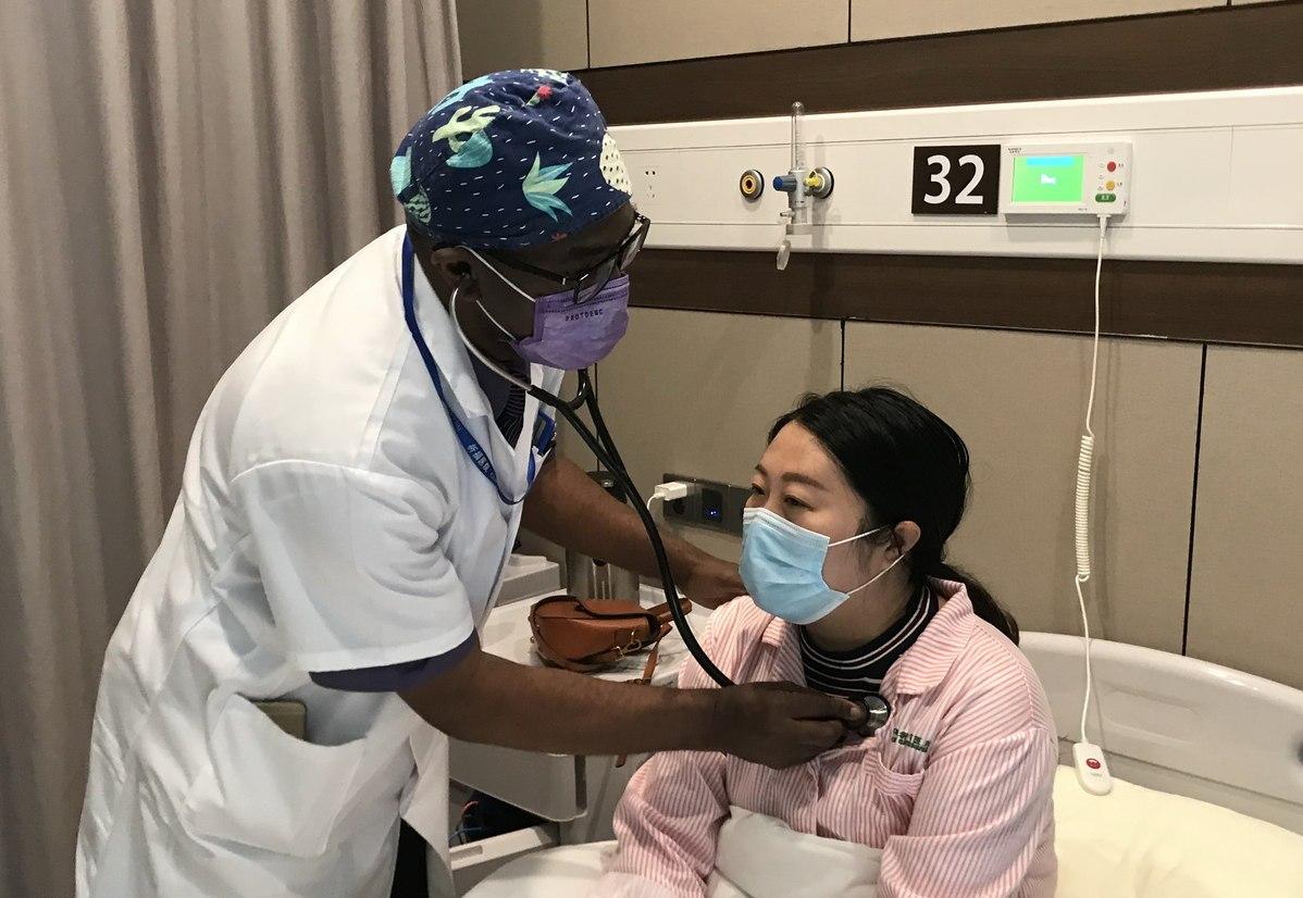 Gabonese doctor feels at home in Guangzhou