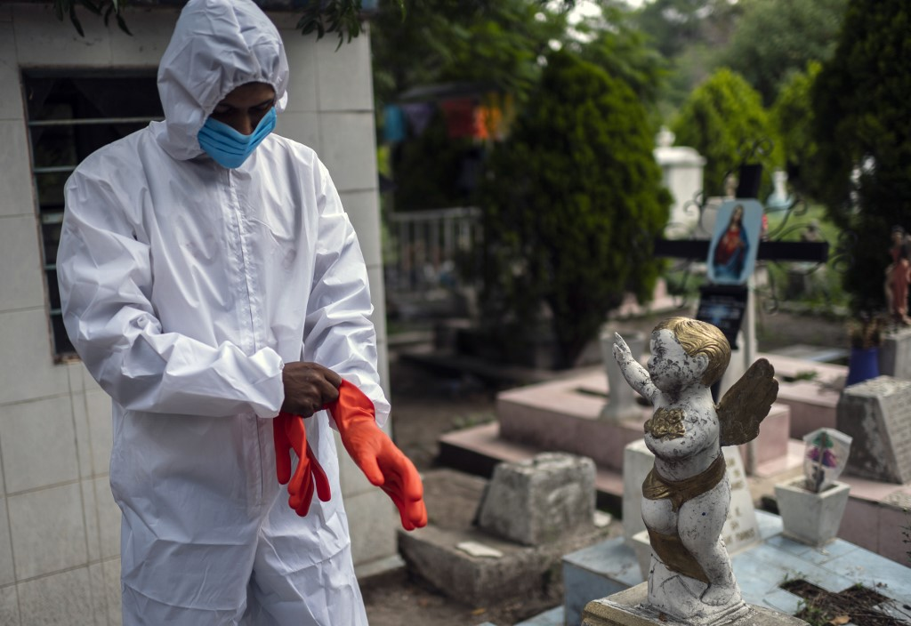 Coronavirus cases worldwide pass 19 million: AFP tally
