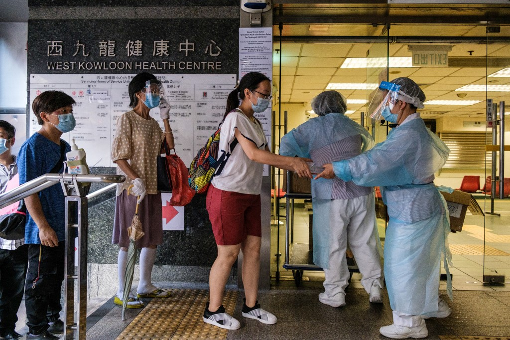 Mainland exports 470 mln USD of anti-epidemic supplies to HK