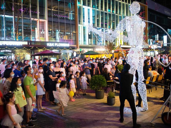 Night economy picks up in Beijing as consumption returns