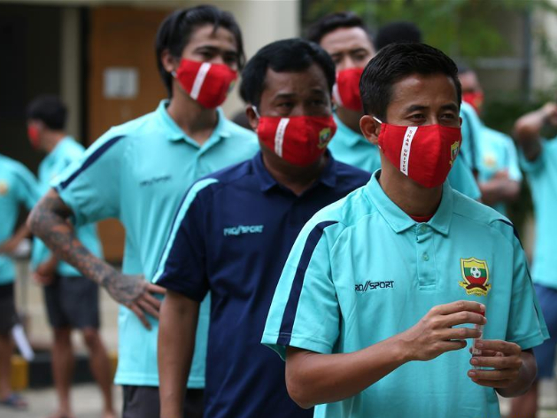All footballers and coaches of Myanmar National League start COVID-19 tests