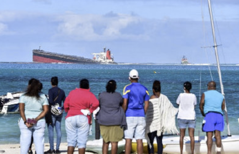 More than 100,000 Mauritius volunteers join clean-up action