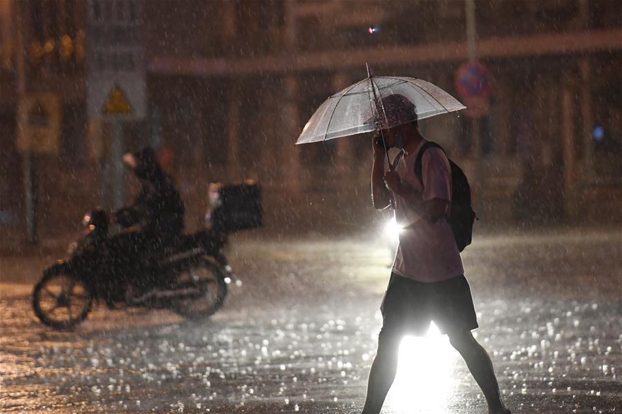 Torrential rain batters Beijing