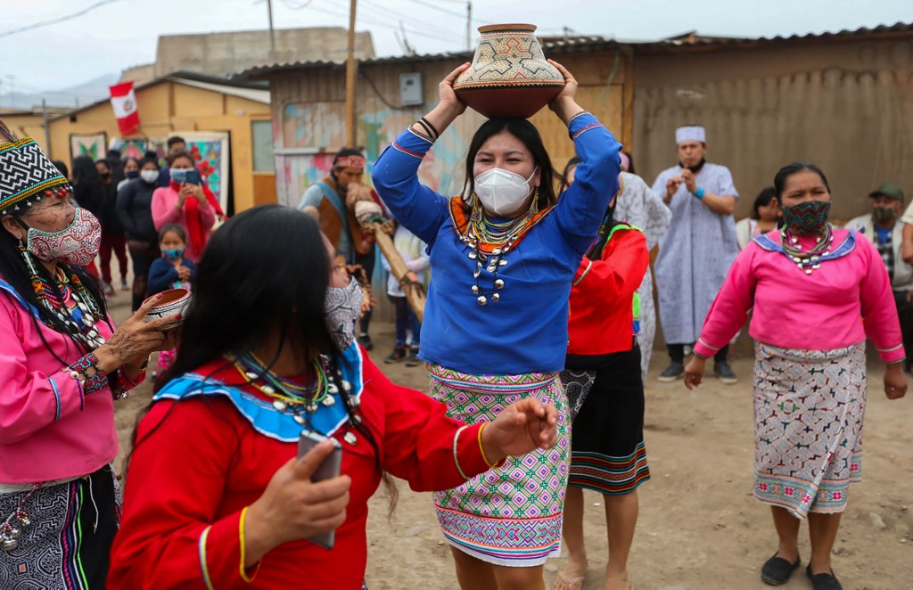 Peru reimposes Sunday curfews to stop virus spike