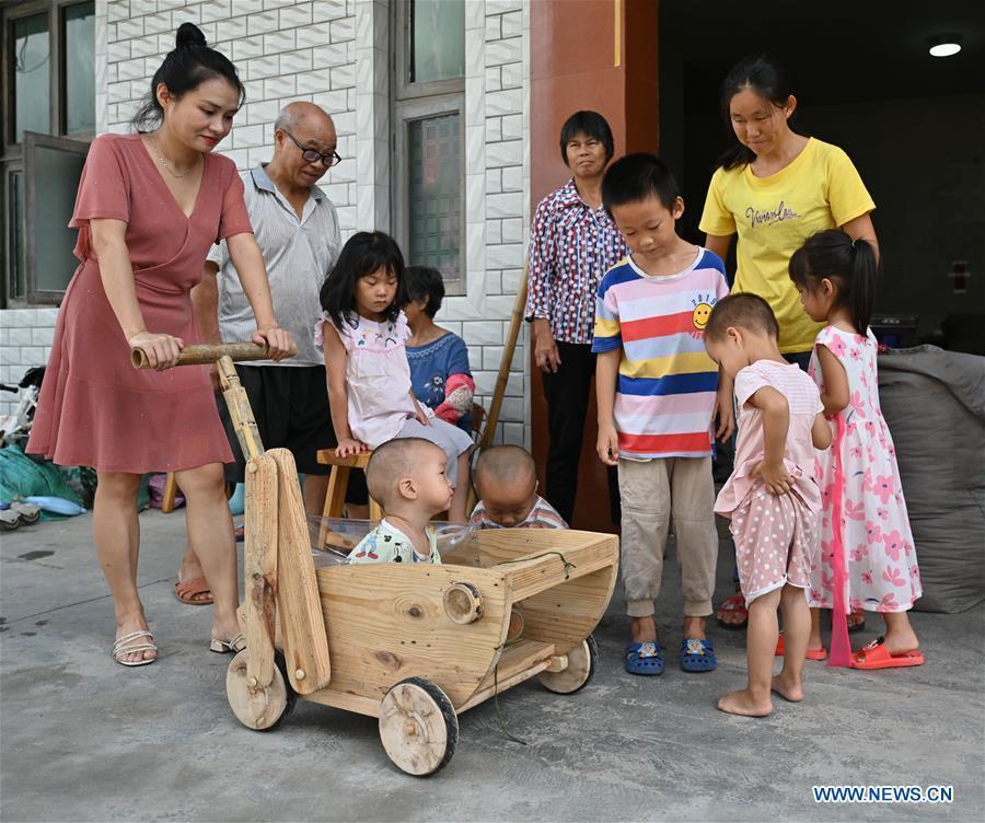Veteran carpenter's handcrafted wooden toys go viral online