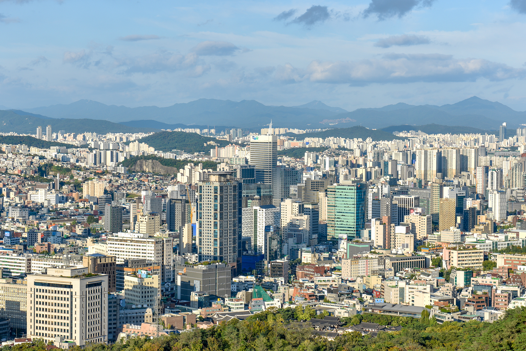 S.Korea's money supply keeps growing on record-low policy rate