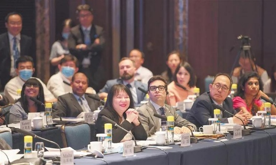 Foreign diplomats conducted a heated discussion about the construction of Hainan FTP