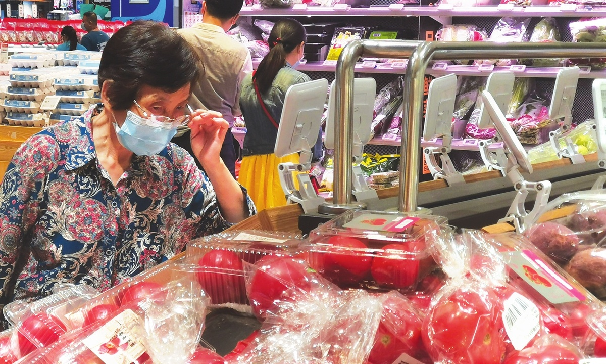 Shenzhen rushes to expand COVID-19 testing after 3 workers in grocery store test positive