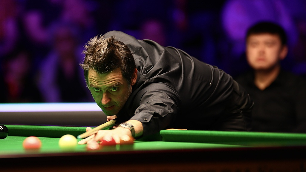 O'Sullivan leads Wilson 6-2 as crowds return to the Crucible