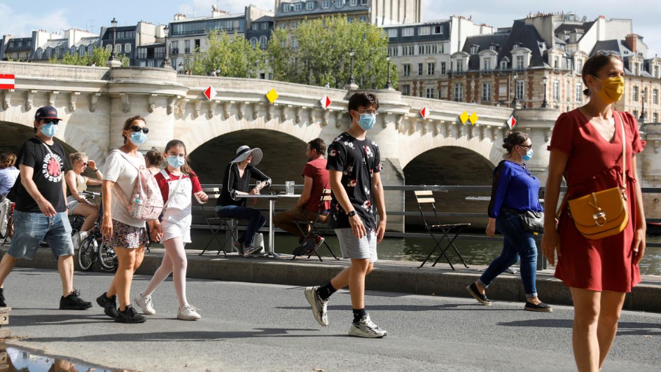 France plans masks at work as daily COVID-19 cases surpass 3,000