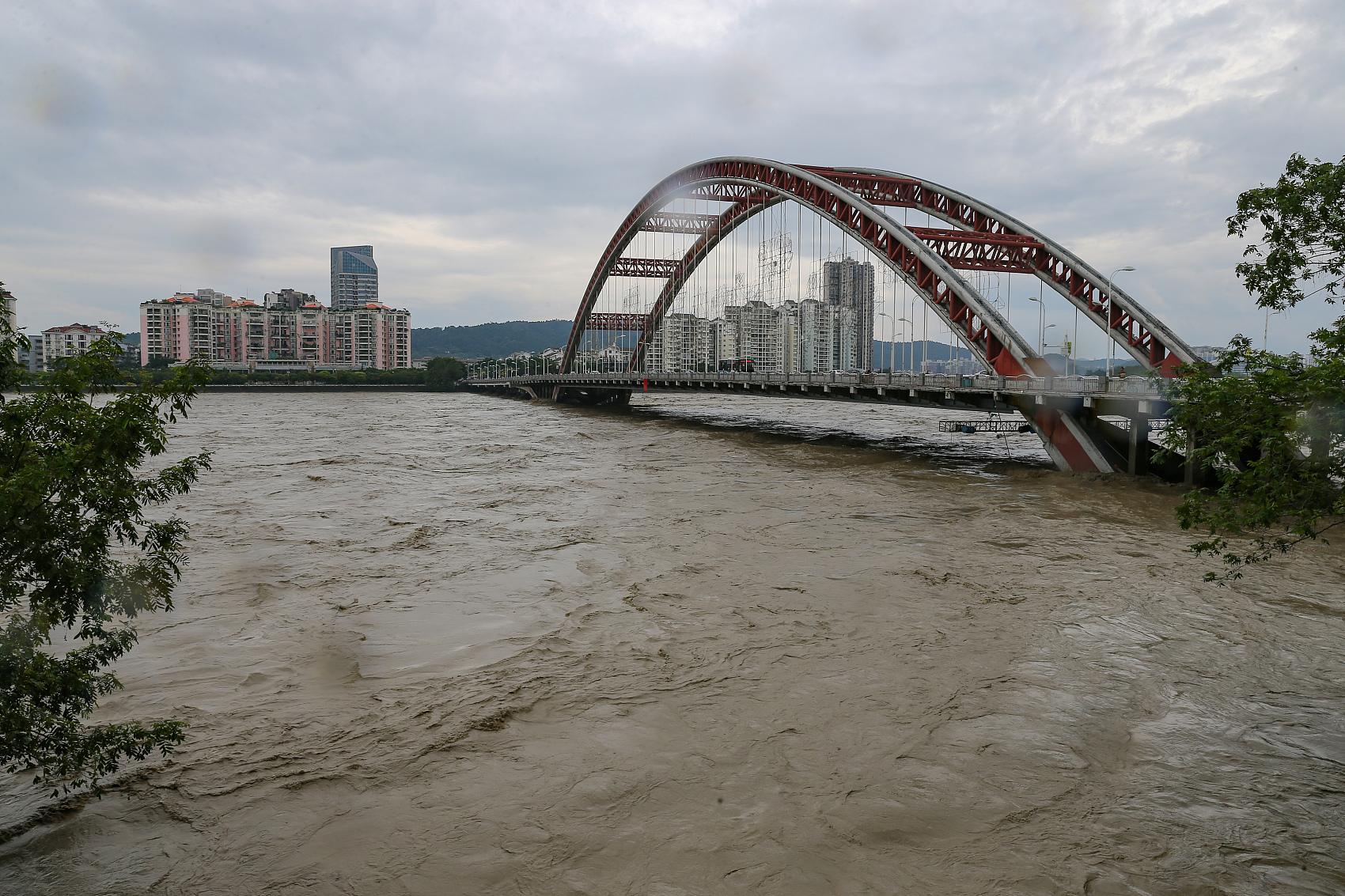 China's Sichuan heightens flood emergency response