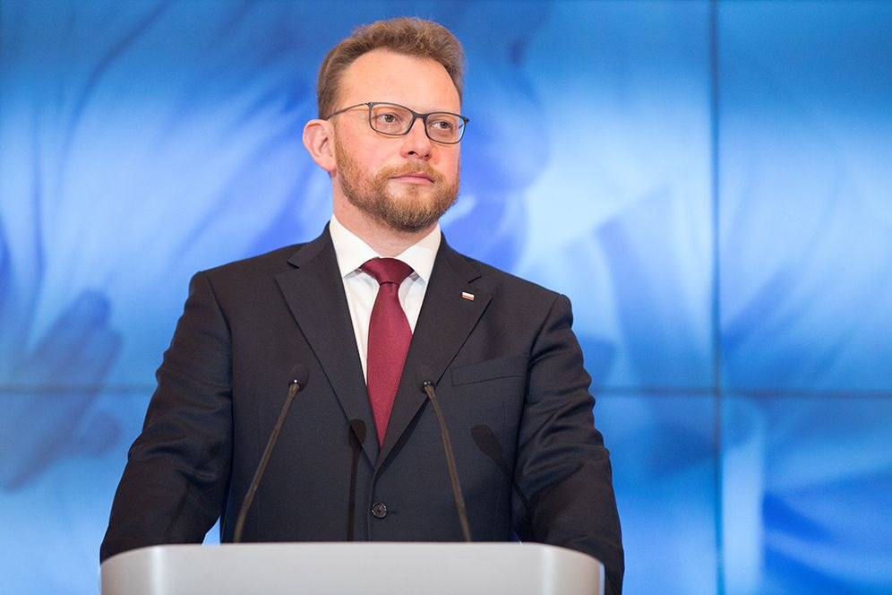 Polish health minister, key official in virus fight, resigns