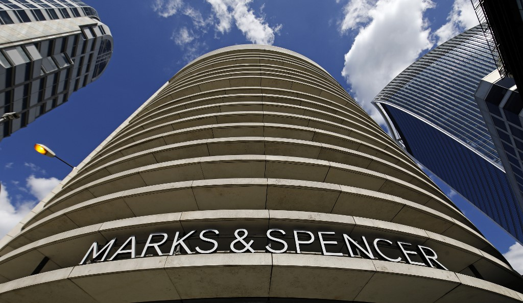UK retailer Marks and Spencer says to axe 7,000 jobs
