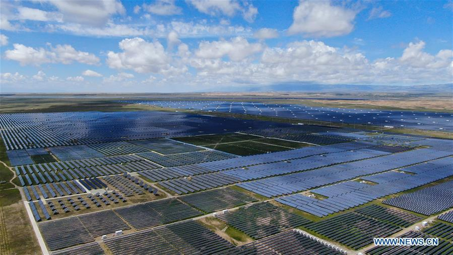 Photovoltaic power station in Qinghai helps increase income of impoverished people