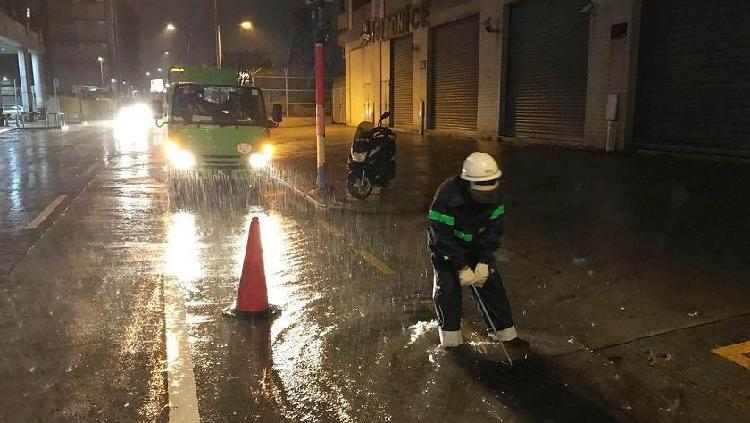 Typhoon Higos lands in south China