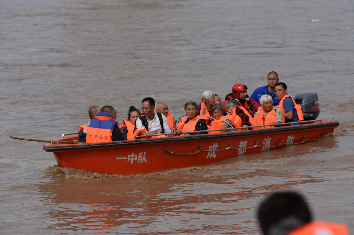 Stranded residents evacuated to safety in Sichuan