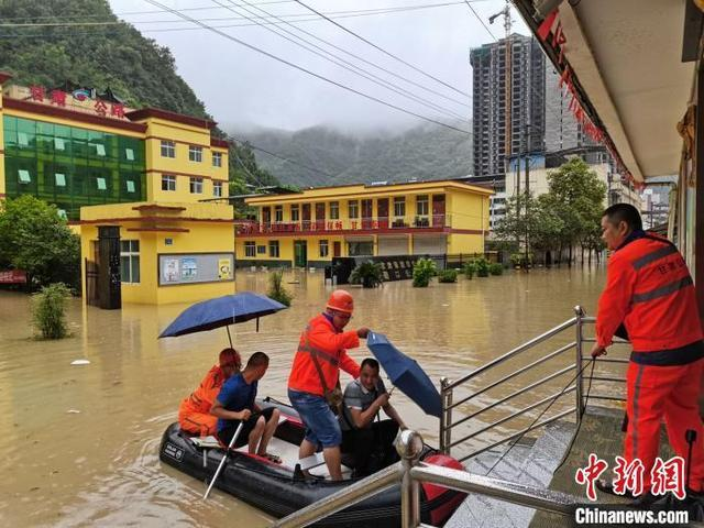 Rainstorm hits NW China, relief efforts underway