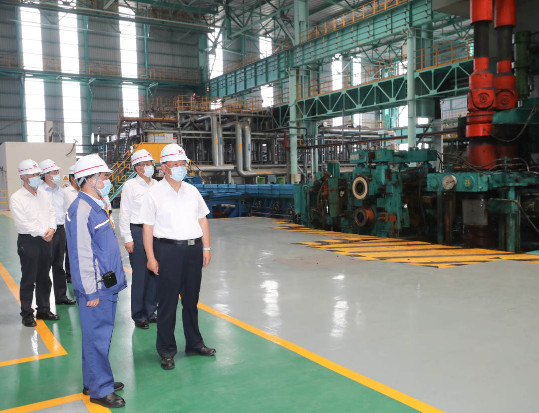 Past and present of Chinese iron and steel
