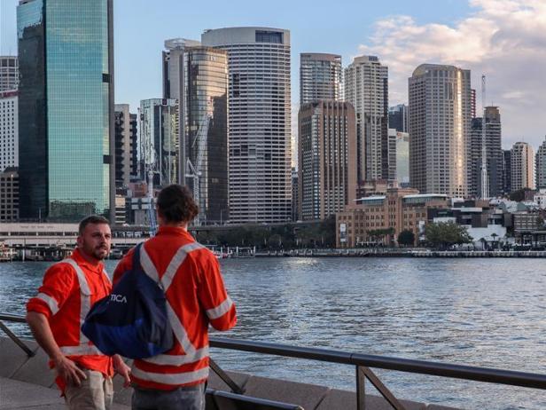 Australia's COVID-safe states urged to open domestic borders