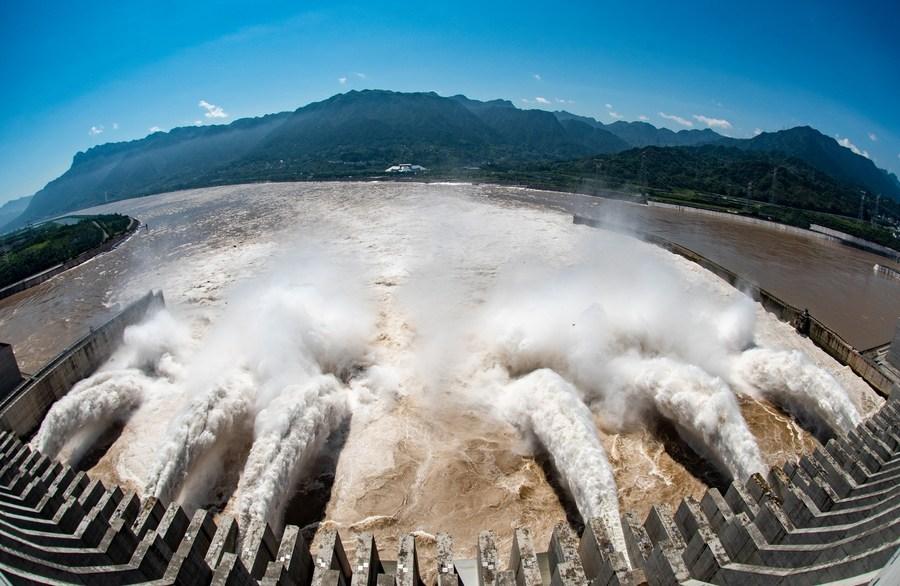 Latest flood on China's Yangtze River passes Three Gorges Dam