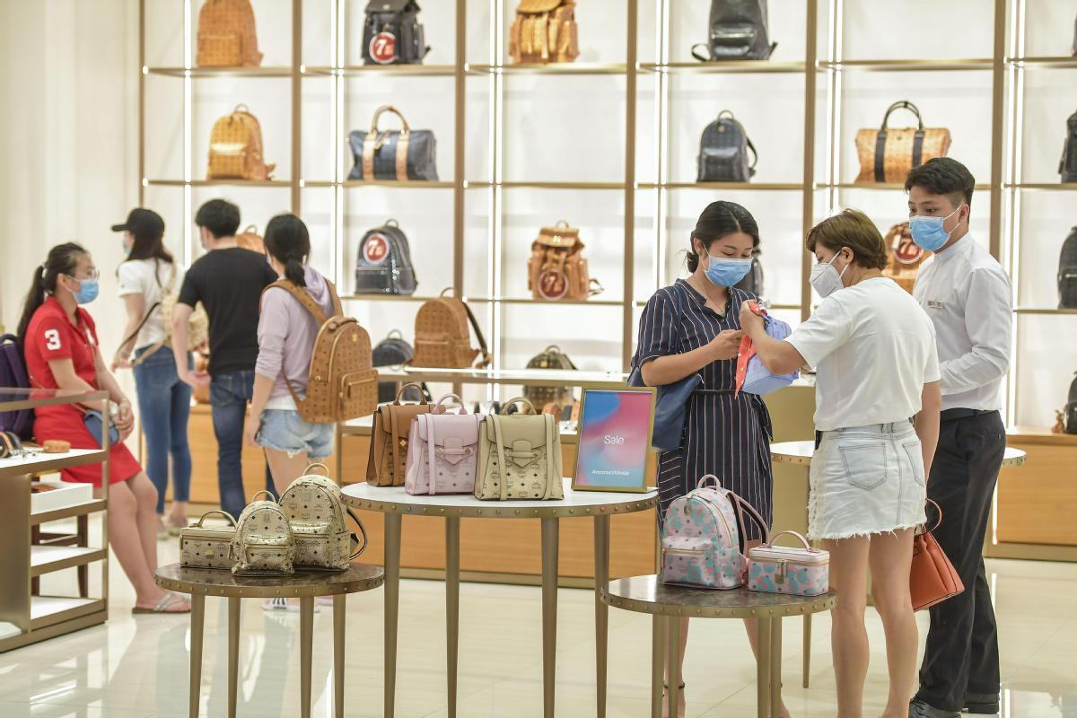 Duty-free market encourages consumption of luxury goods