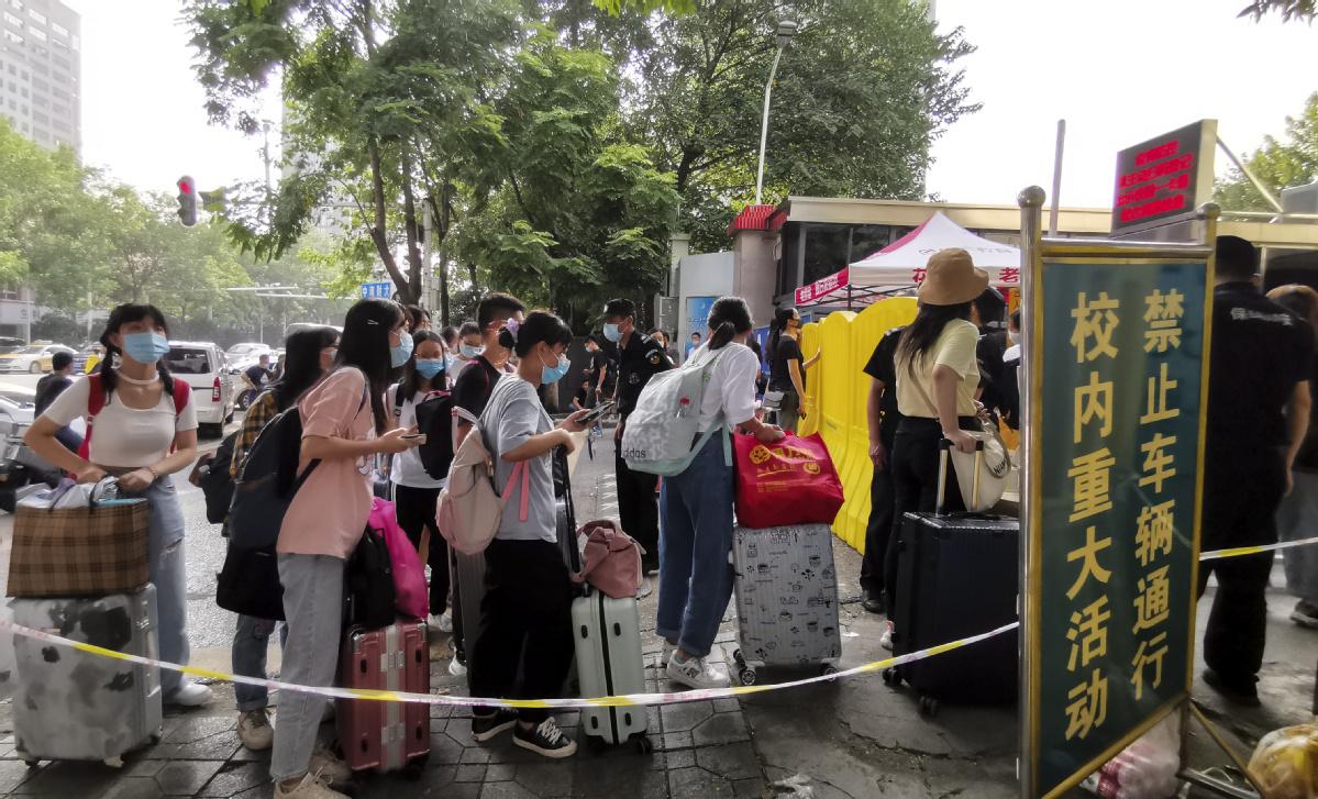 Students begin fall semester at Wuhan universities