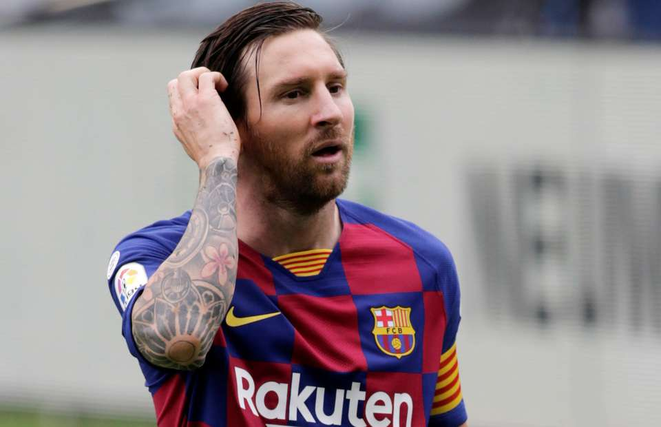 Reports: Messi informs Barcelona he wants to leave the club