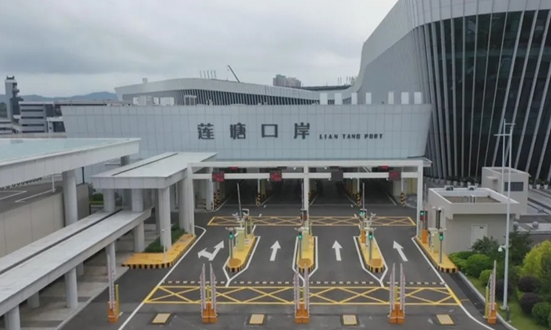Liantang Port opens on Shenzhen SEZ's 40th anniversary
