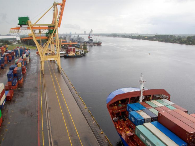 SANY ship-to-shore container crane inaugurated in ceremony at Freeport of Riga