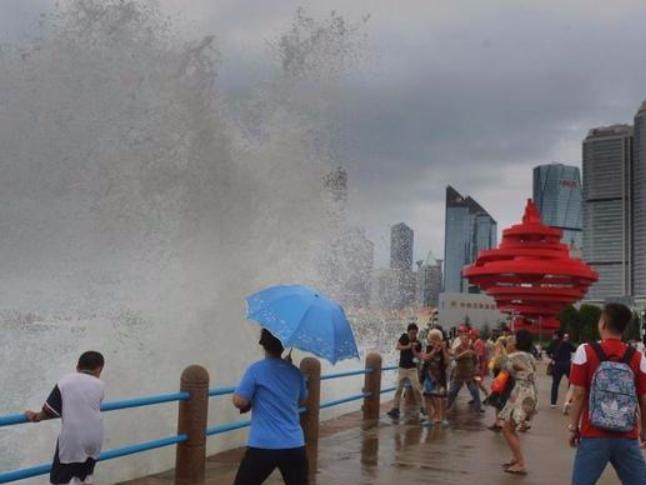 China renews red alert for Typhoon Bavi