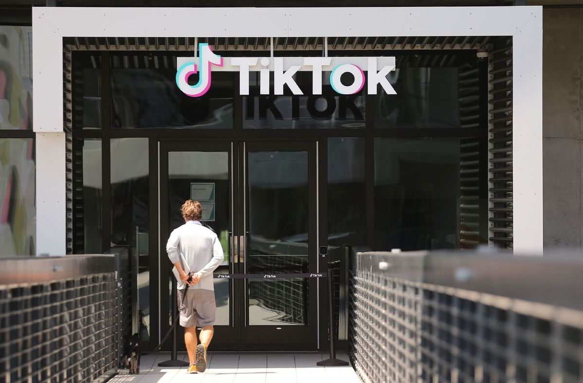 Walmart joins Microsoft bid for TikTok