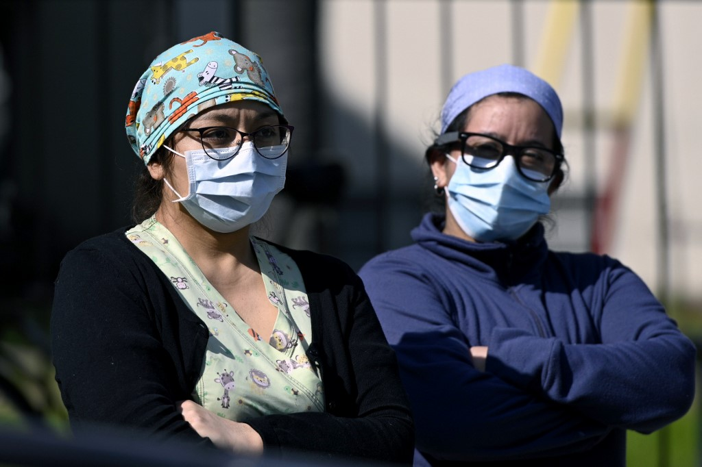 Argentine official urges public to comply with health measures against COVID-19