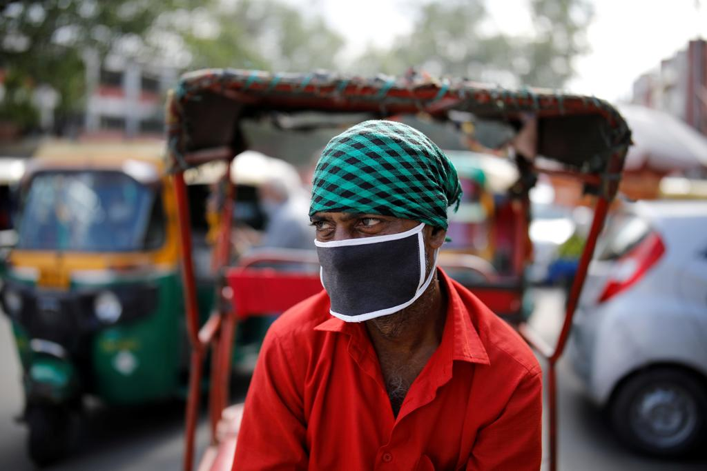 India records another surge in daily coronavirus cases