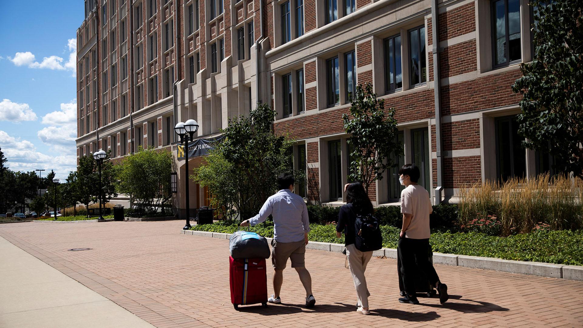 US universities see rise in coronavirus cases as schools reopen