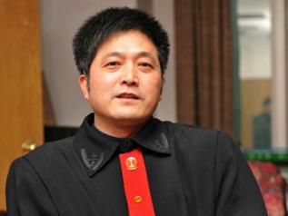 China grants posthumous honor to model judge