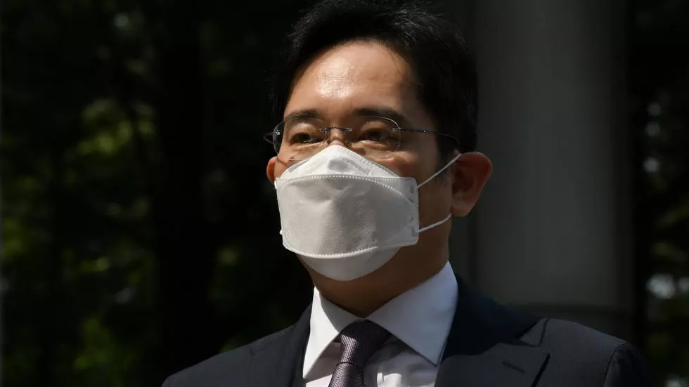 Samsung heir charged with fraud over succession-linked deal