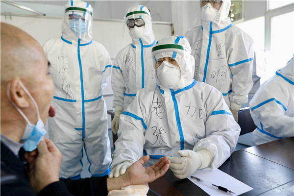 Hero doctor fighting coronavirus with TCM