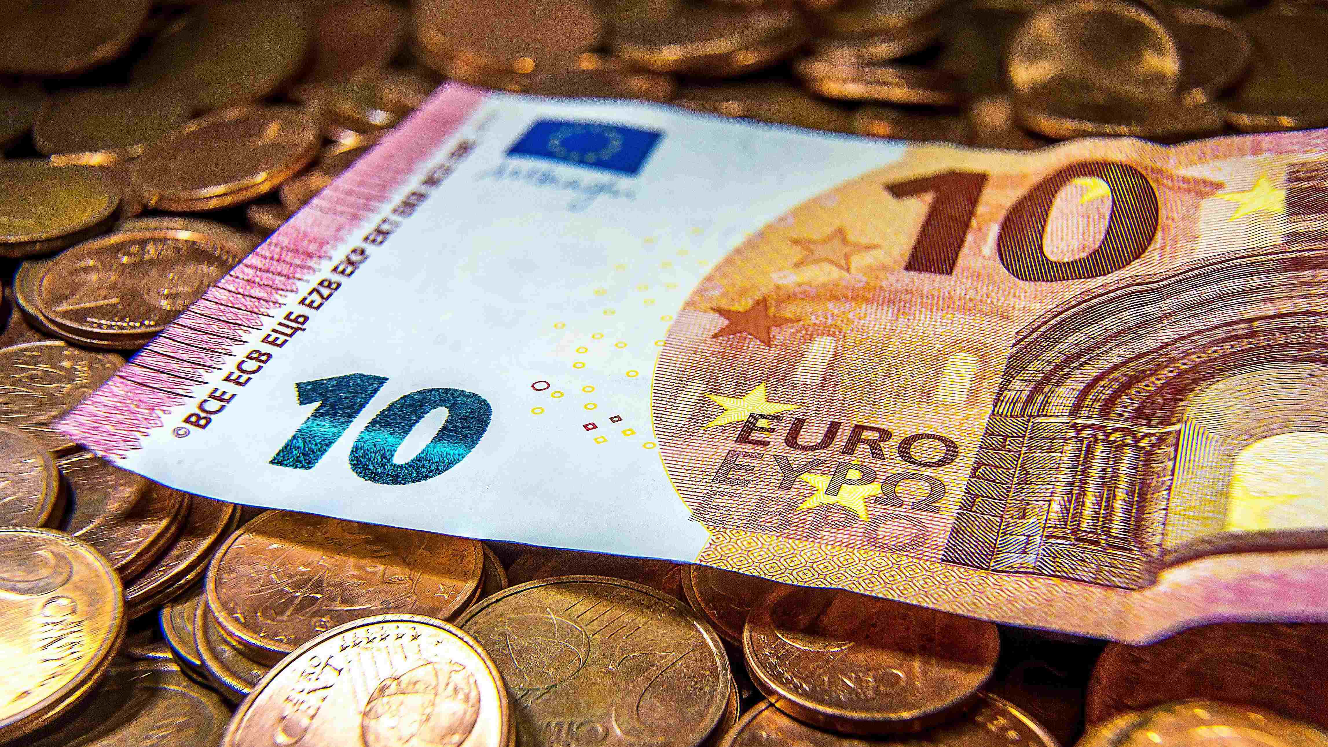 Eurozone unemployment continues to rise in July