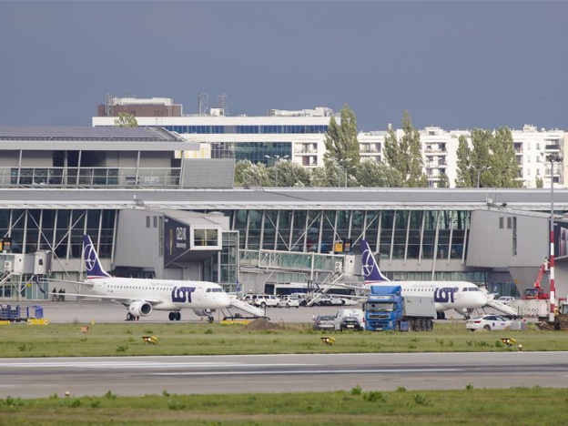 Polish government bans direct flights from 44 countries starting Sept. 2