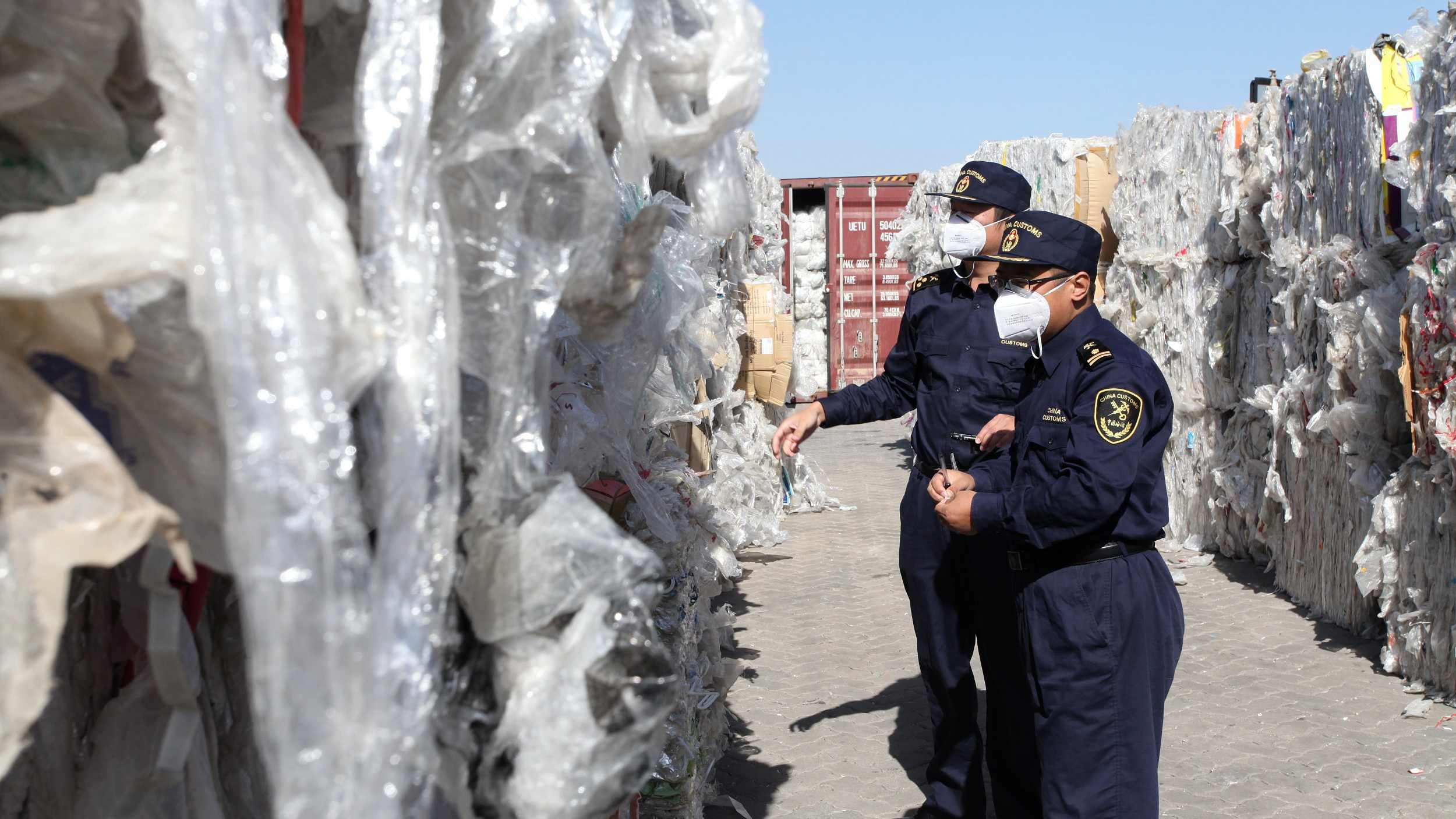 Chinese customs send back 110 tonnes of solid waste