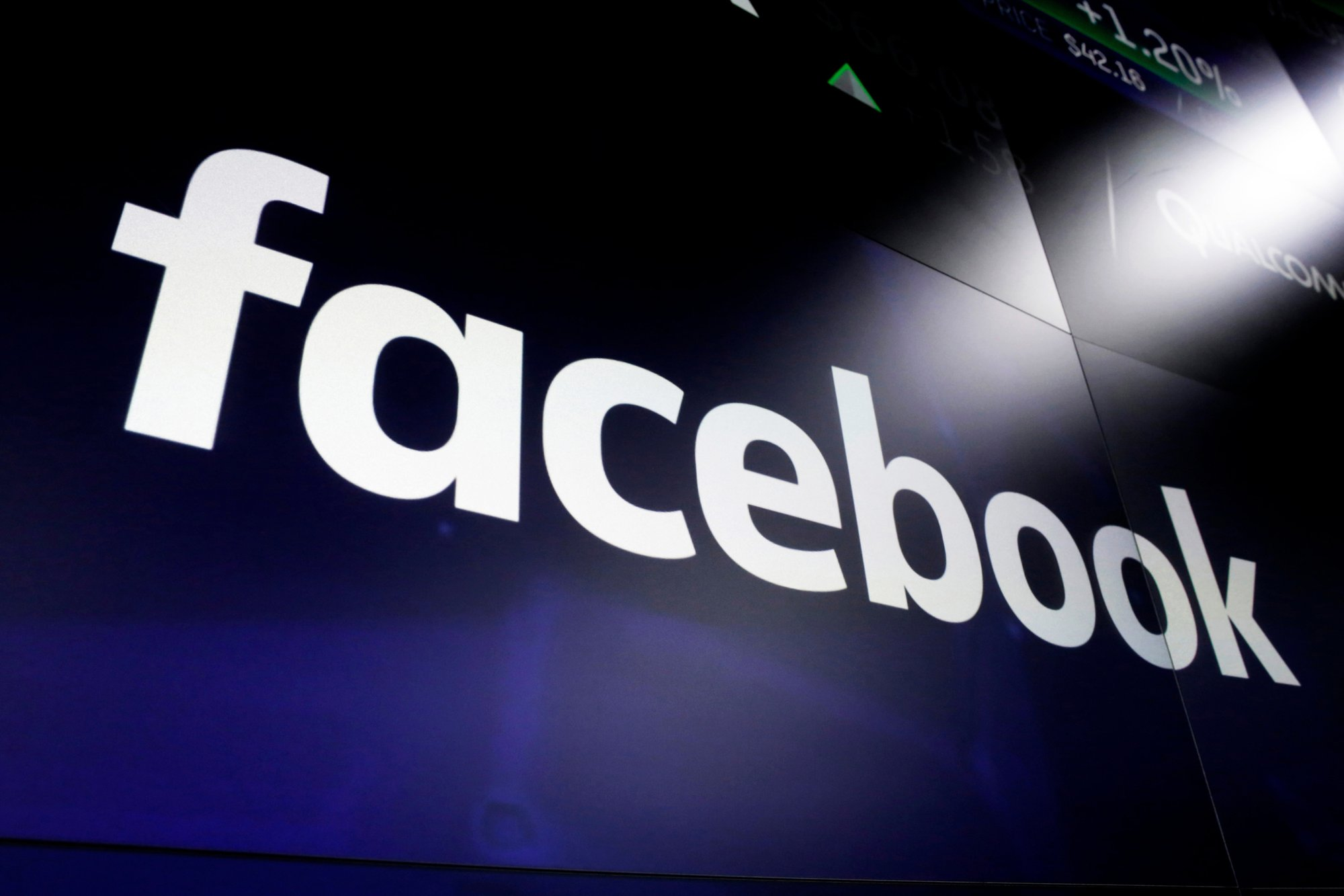 Facebook moves to target misinformation before election