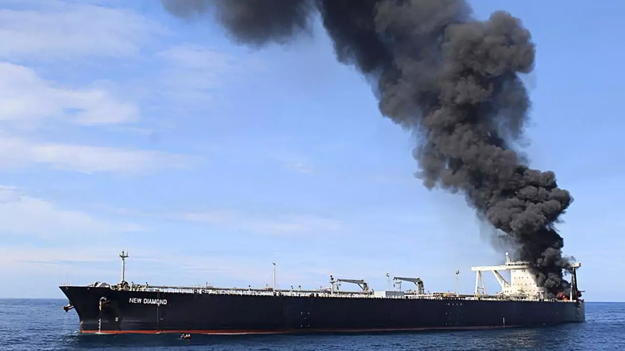 Raging tanker fire sparks fears of a new Indian Ocean disaster