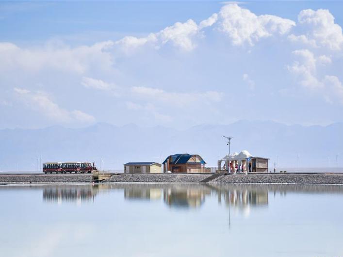 View of Caka Salt Lake in Qinghai, NW China