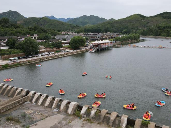 ​Roads, tourists & chestnuts revitalize villages at foot of Great Wall